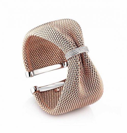 Rosé met zilvere armband